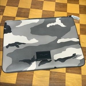 Camo Black Print Large Pouch F73137 Limited $178